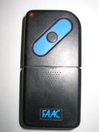 Пульт для ворот и шлагбаумов FAAC.